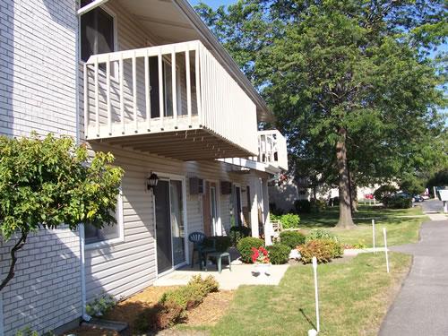 Lillian Street Apartments 187 Cunat Inc